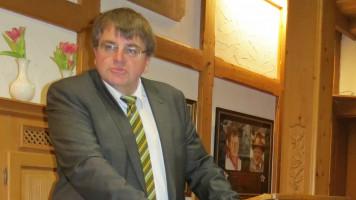 Unser Landtagsabgeordneter Harry Scheuenstuhl bei seinem Grußwort