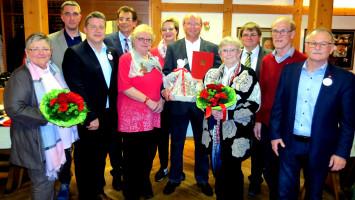 Für ihre langjährige Mitgliedschaft in unserem Ortsverein wurden geehrt v.l.n.r.: Marlene Rupprecht (MdB a.D.), Andreas Zehmeister (10 Jahre), Carsten Träger (Mdb), Johann Völkl (1. Bürgermeister), Margot Gruber (50 Jahre), Birgit Höfling (2. Vorstand), H